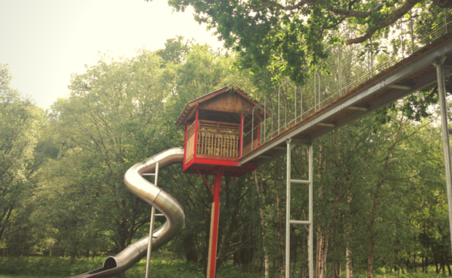 Clara Lara Treehouse Tube Slide